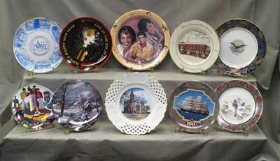 Commemorative dinnerware plates